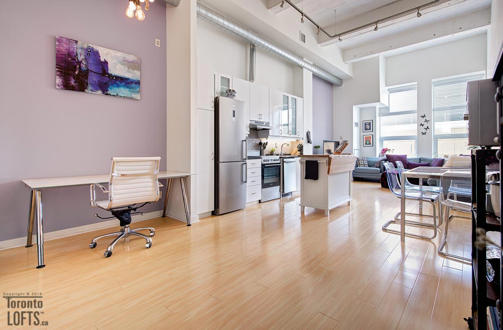 Merchandise Lofts-135-155 Dalhousie St #407