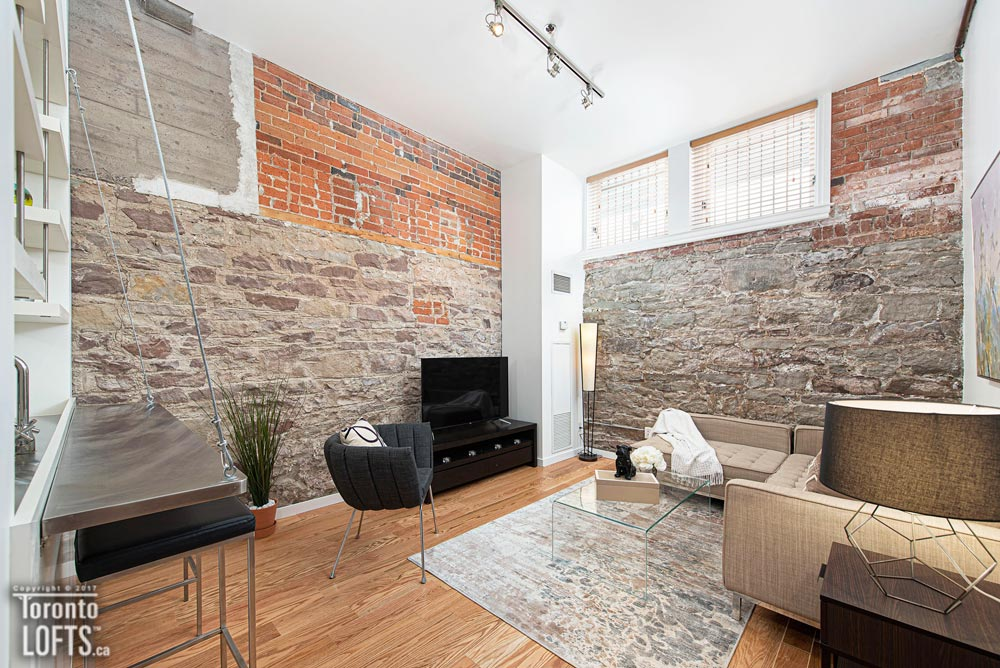 Massey Harris Lofts-915 King St W #101
