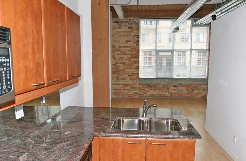 Chocolate Lofts-955 Queen St W #217